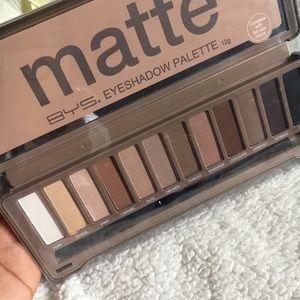 Makeup - 😍Matte Eyeshadow Palette ,Blender,Nude and Smoke